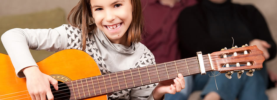 Guitar lessons for kids.  Sarasota/Bradenton Guitar lessons for children. First lesson free.