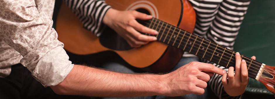 Acoustic Guitar Lessons in Sarasota/Bradenton, FL. First lesson free.